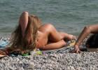 Beach spy captured a gorgeous nude babe