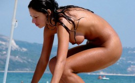 24822-Nude-babe-out-of-the-sea.jpg