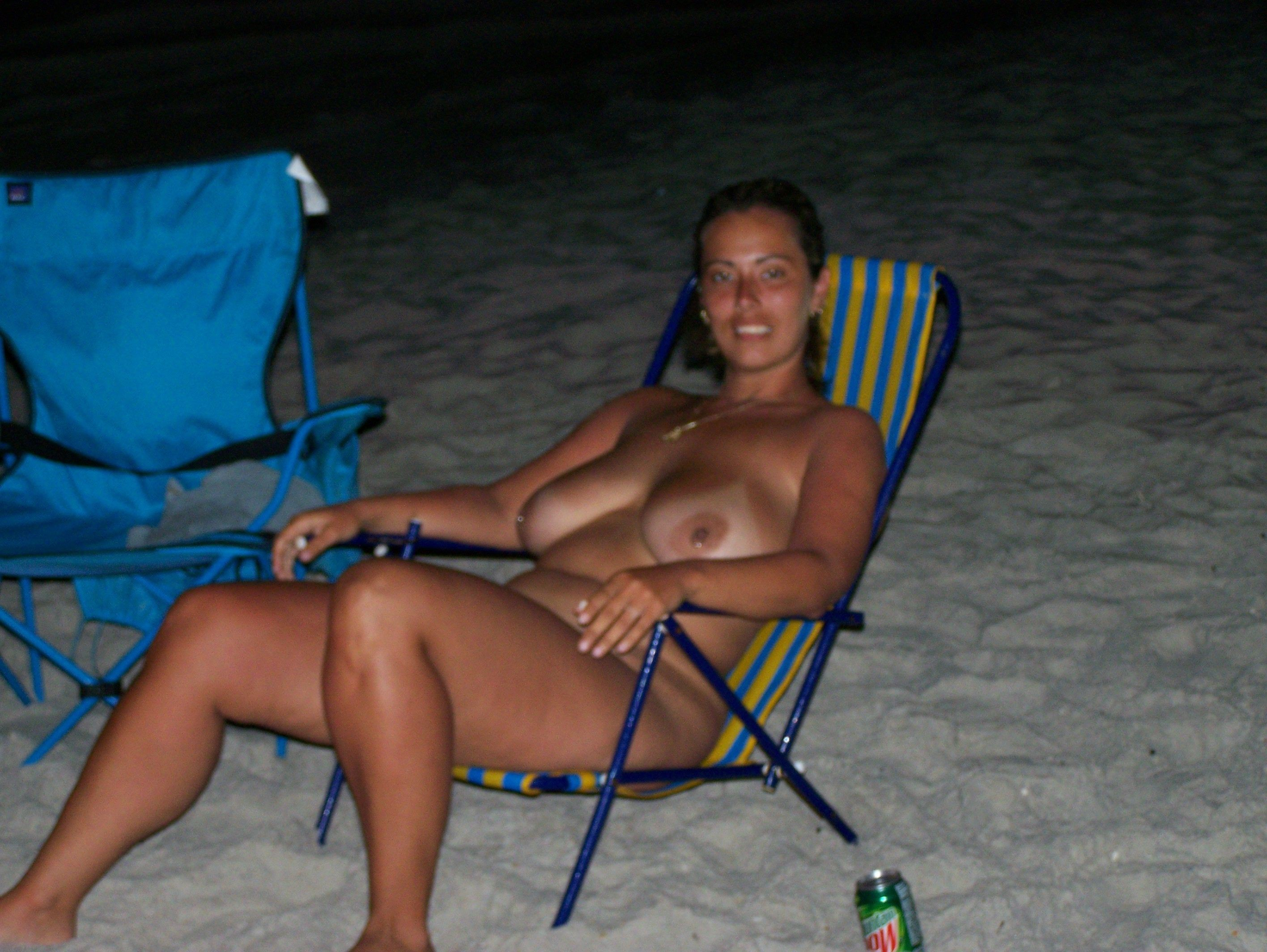 Nudist voluptuous hottie enjoying a mountain dew
