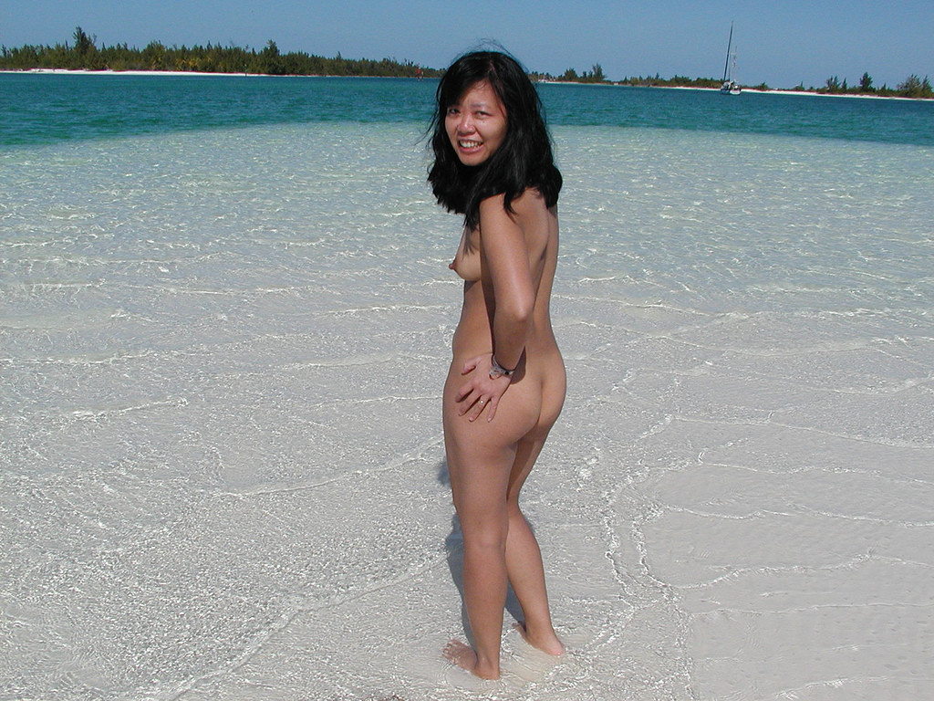 Asian pussy nude in beach — img 13