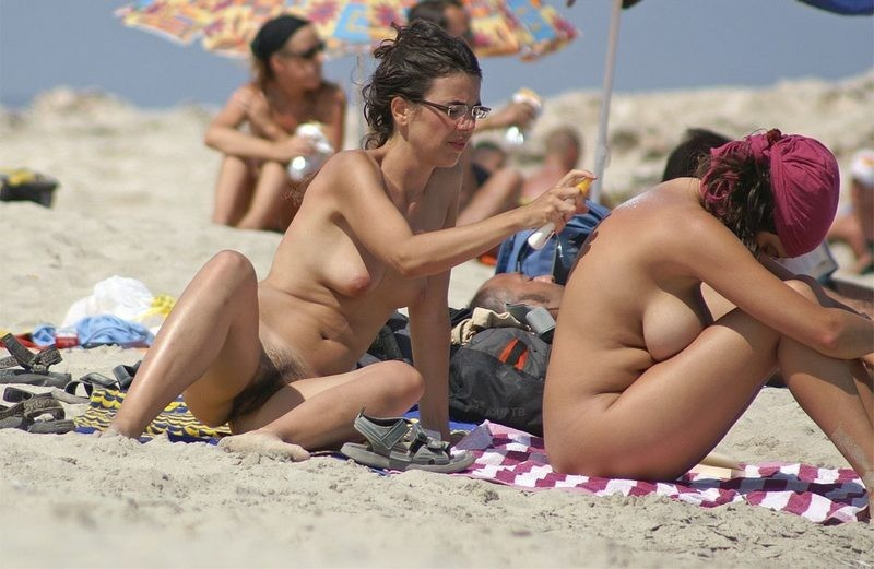 Nude babes show their nude bodies and hairy cunts