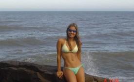 111-Hot-babe-in-bikini-stands-on-a-rock.jpg