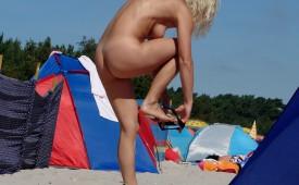 128-Hot-naked-blond-babe.jpg