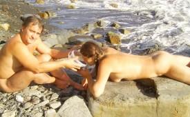 190-Nudist-couple-on-a-rocky-shore.jpg
