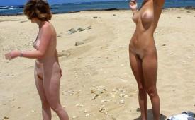 202-Nude-girls-caught-at-the-beach.jpg