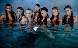 712-Naked-babes-posing-in-the-water.jpg