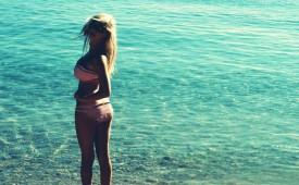 860-Sexy-woman-posing-in-the-ocean.jpg