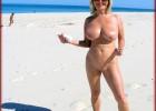 Voluptuous blonde babe posing nude